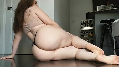 Sex Goddess huge natural ass and pussy 2