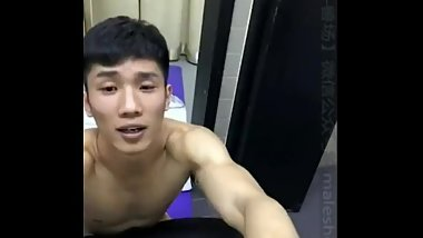 [leaked] FITNESS MODEL XIAO XIONG 斗兽場 SCANDAL face cumshot sound