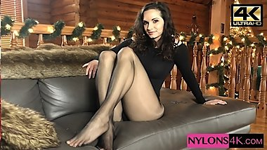 Weak For Pantyhose Ashley Sinclair