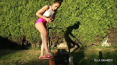 Hot Girl Lawn Mower Cranking
