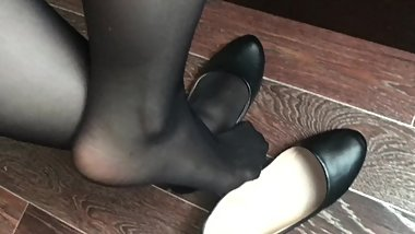 Girl show feet in black nylon SHOEPLAY FETISH BLACK stockings