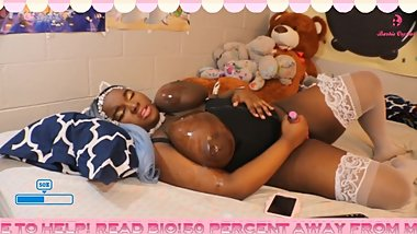 Big Boob BBW Masturbates With Oily Tits On Live Stream