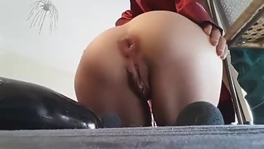 BIG ANAL PLUG AND HOLE GAPING